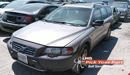 2002 VOLVO V70 available for parts