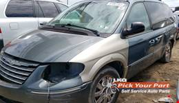 2005 CHRYSLER TOWN & COUNTRY available for parts