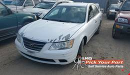2010 HYUNDAI SONATA available for parts