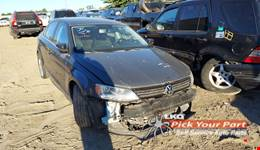 2013 VOLKSWAGEN JETTA available for parts