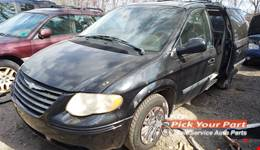 2006 CHRYSLER TOWN & COUNTRY available for parts