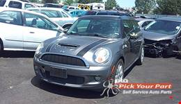 2009 MINI COOPER available for parts