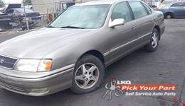 1999 TOYOTA AVALON available for parts