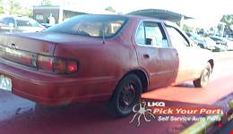 1994 TOYOTA CAMRY available for parts