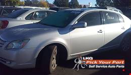 2005 TOYOTA AVALON available for parts