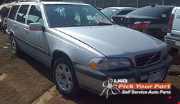 2000 VOLVO V70 available for parts