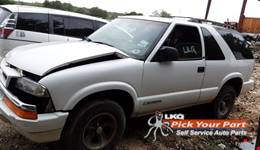1999 CHEVROLET BLAZER available for parts