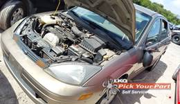 2003 FORD FOCUS available for parts