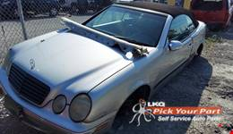 2000 MERCEDES-BENZ CLK320 available for parts