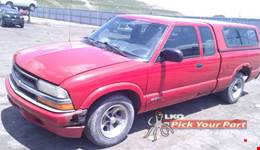 2000 CHEVROLET S10 available for parts
