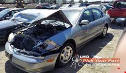 2001 INFINITI I30 available for parts