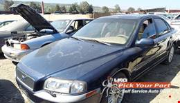 2001 VOLVO S80 available for parts
