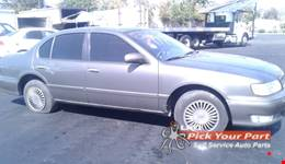 1998 INFINITI I30 partes disponibles