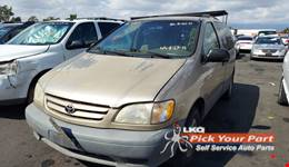 2001 TOYOTA SIENNA available for parts