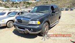 2000 LINCOLN NAVIGATOR available for parts