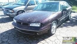1997 PONTIAC BONNEVILLE available for parts
