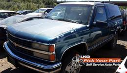 1992 CHEVROLET BLAZER available for parts