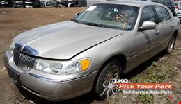 2002 LINCOLN TOWN CAR available for parts