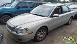 2004 VOLVO S80 partes disponibles