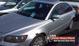 2004 VOLVO S40 available for parts