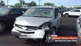 2004 TOYOTA SIENNA available for parts
